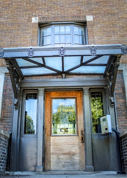 West Farnam Apartments - Entrance